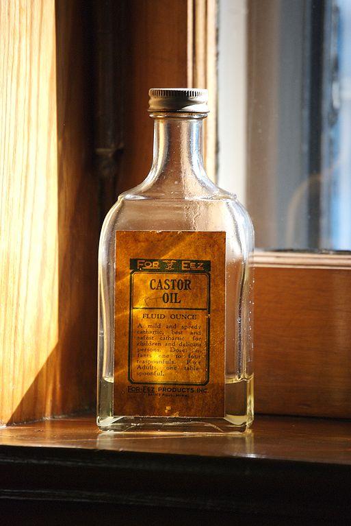 513px-Castor_oil