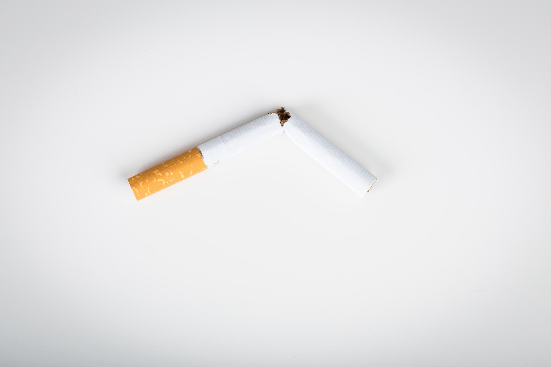 Kouření z člověka na člověka