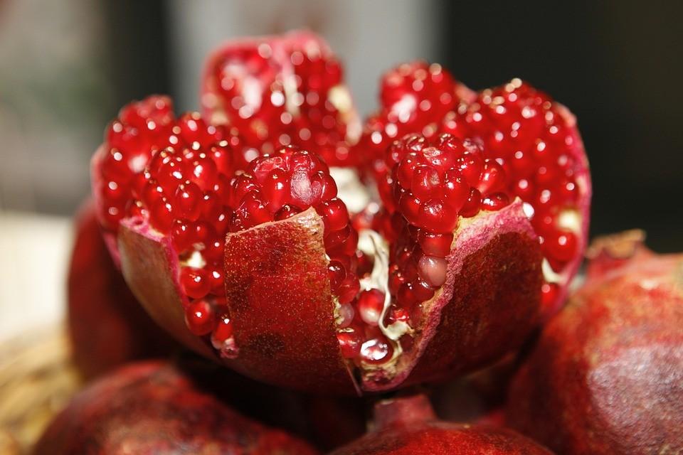 pomegranate-open-196800_960_720